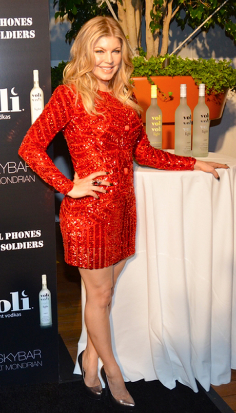 Celebrity Fashion Fergie Sparkles In A Sequined Red Dress Film Star Blog
